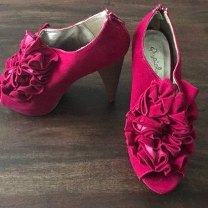 Shoes - NWOT Fuchsia Platform Healed Booties